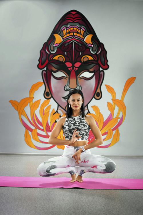 Анна Ивакина – тренер по йоге