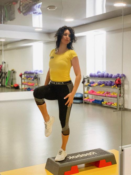 Попова Елена – тренер групповых занятий